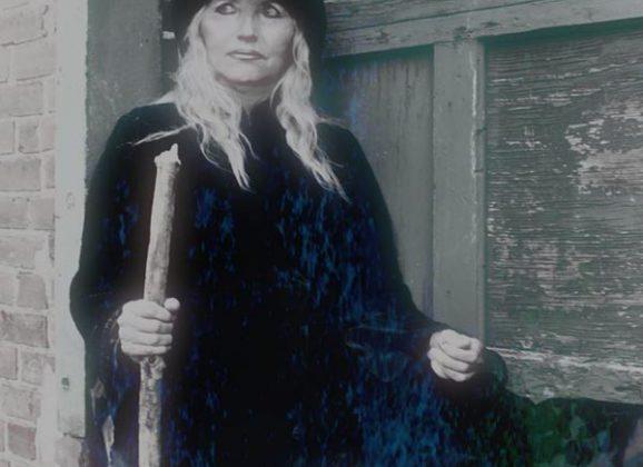 Karen St. Claire: Jackal'N the Ripper [SPOKESMODEL ELECT GALLERY]